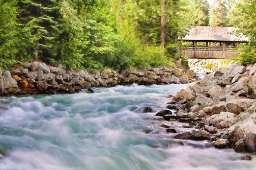 flowing-creek-1029885_960_7201