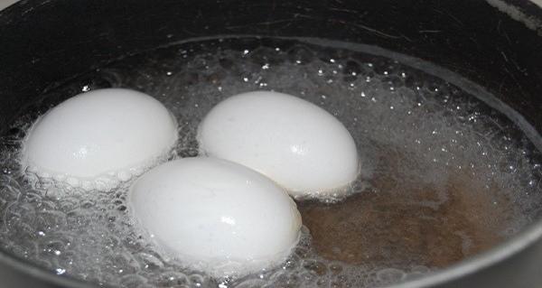 takes-one-boiled-egg-control-sugar-blood-1jpg-728x7281