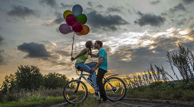 bisiklet-balon-cift-sevgili-71[1]