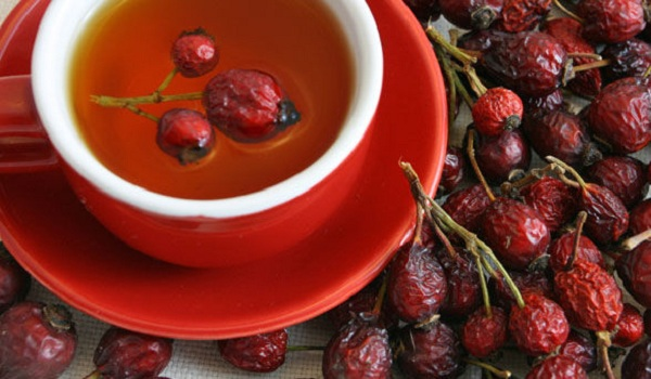 rosehip-tea-against-autumn-colds