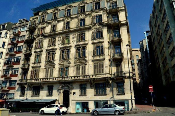 istanbul-eski-apartmanlar-deniz-palas-768x508[1]