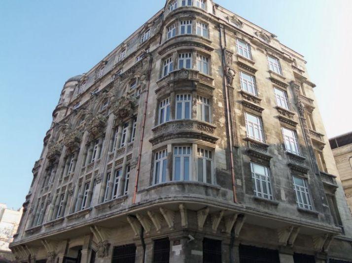 istanbul-eski-apartmanlar-frej-768x576[1]